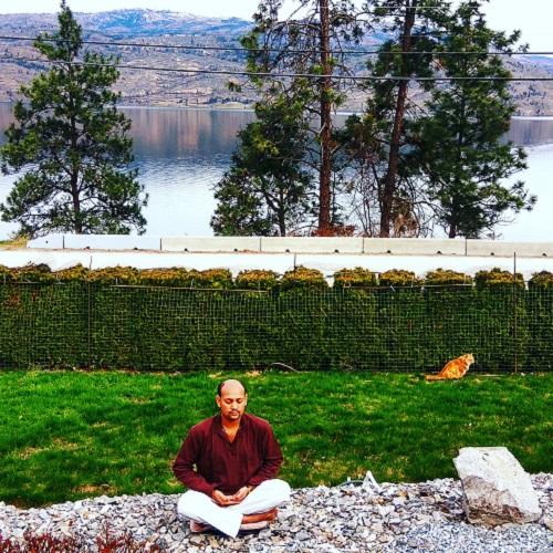Sarvottam Kumar Pathak Mantra Yoga Meditation School - About Us